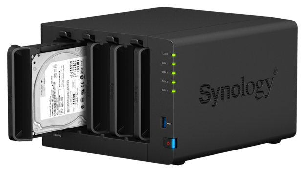 storagereview-synology-ds416play-right-45-add-tray.png